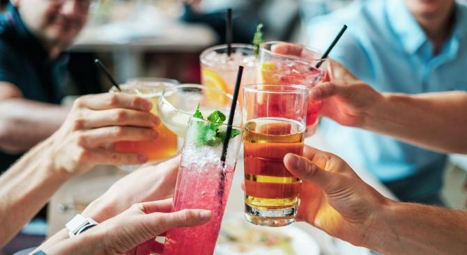 Първият автоматизиран коктейл-бар отвори врати