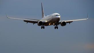 Самолет кацна извънредно в Ирландия заради бомбена заплаха