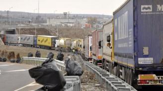 Силно интензивен трафик на границата с Турция