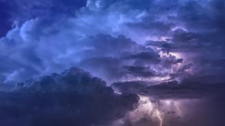 Гръмотевични бури във Варна и Бургас