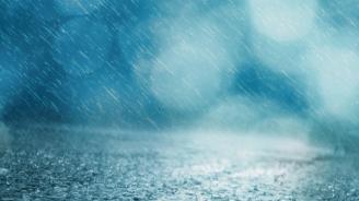 Поройните дъждове разрушиха цяла улица със стълби в Дупница