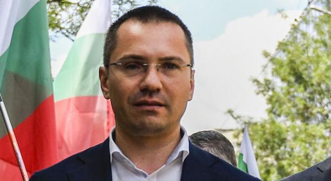 Българският евродепутат и заместник-председател на ВМРО-БНД - Ангел Джамбазки, внесе