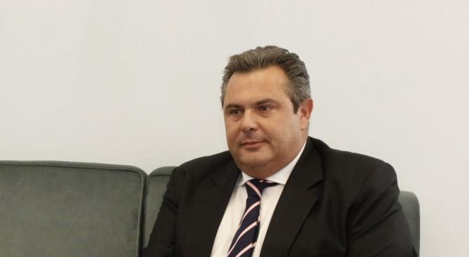Нашето правителство освободи страната от международните кредитори, заяви гръцкият военен