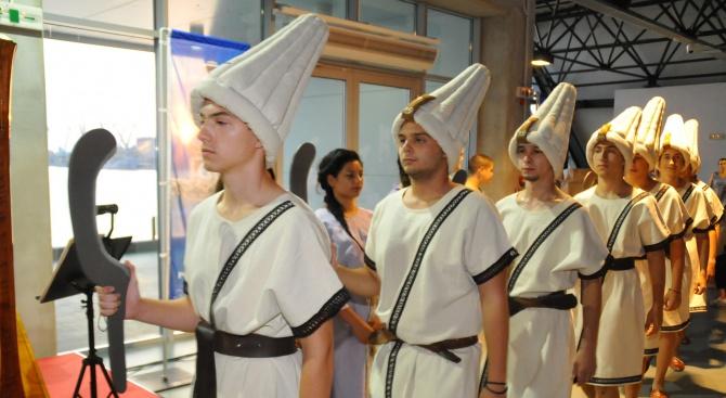 Показаха антични костюми и музикални инструменти от ерата на Хетите (снимки)