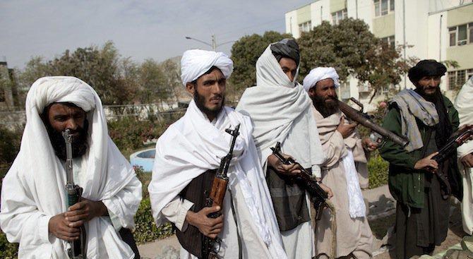 Талибаните отвлякоха 43-ма строителни работници при нападение тази нощ в