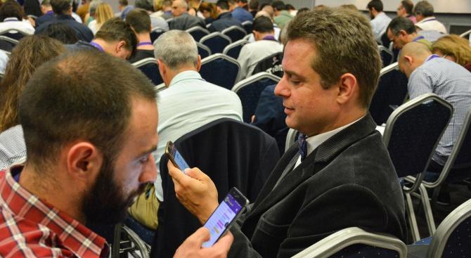 """""""Да, България"""" показа как се гласува електронно (снимки)"""