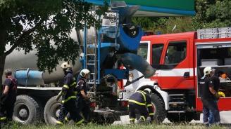 Мъж загина на място, след като беше прегазен от бетоновоза си (снимки 18+)