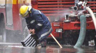 Порой наводни къщи и магазини в Истанбул