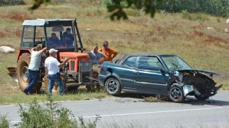 Жена загина в тежка катастрофа край Хасково (снимки)