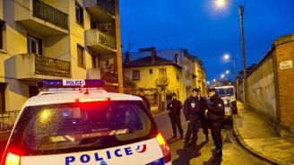 Нападателката от супермаркета във Франция е обвинена в опит за убийство и възхвала на тероризма