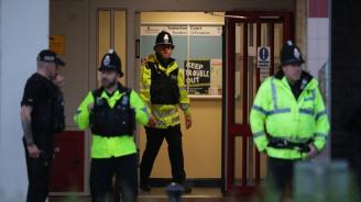 Малък взрив на метростанция в Лондон (видео)