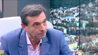 Димитър Манолов: Не сме общество от изроди, за да ни тикат децата с увреждания непрекъснато в очите