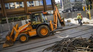 В ход е вторият етап от реконструкцията на ул. ,,Граф Игнатиев'' (снимки)