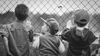 Деца в клетки в САЩ шокираха света (снимка+видео)