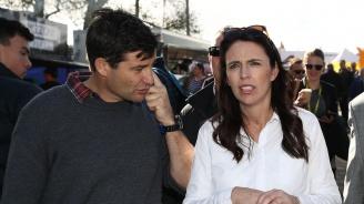 Новозеландският премиер Ясинда Ардърн стана майка
