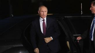Путин и Порошенко обсъдиха по телефона уреждането на конфликта в Югоизточна Украйна