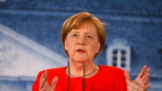 Меркел пристигна в Ливан