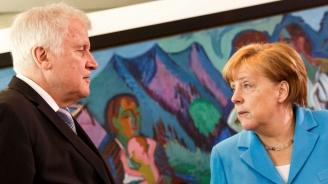 Германският вътрешен министър: Няма да отстъпя на Меркел в спора за мигрантите