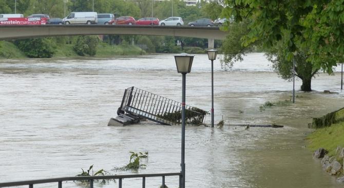 Проливни дъждове наводниха Румъния