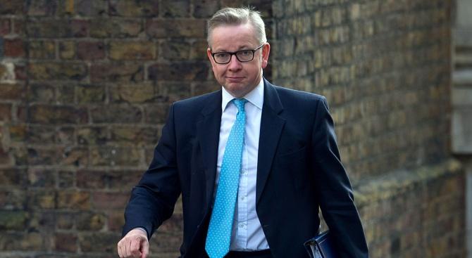 Британски министър скъса доклад, споменаващ за евентуално митническо споразумение с ЕС