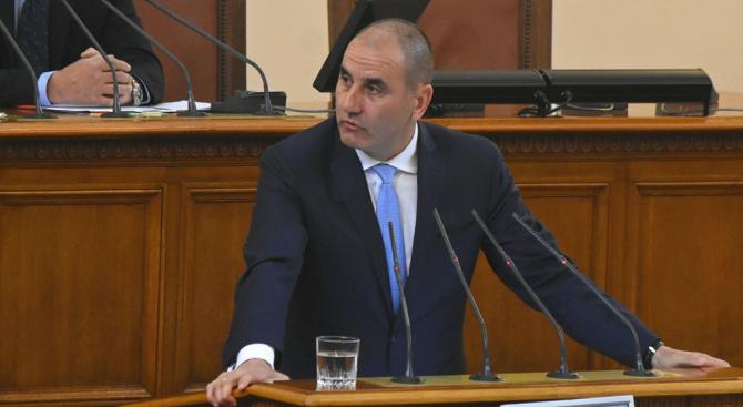 Щом Жельо Бойчев напуска парламента, за да прави бизнес, значи