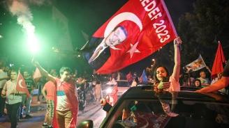 Висшата избирателна комисия: Ердоган печели изборите (обновена+снимки)