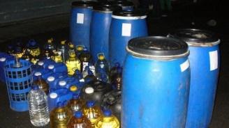Спипаха десетки литри алкохол в две села