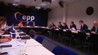 Лидерът на ЕНП Жозеф Дол: Надявам се до Коледа да има решение за проблема с имигрантите