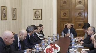Президентът: Диалогът е задължителен за преодоляване проблемите на пътя