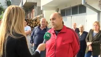 Жители на Сливен след снощния порой: Сами си строим отводнителни канали (видео)