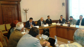 Министър Кралев: Толерантността към спортното хулиганство от страна е нулева