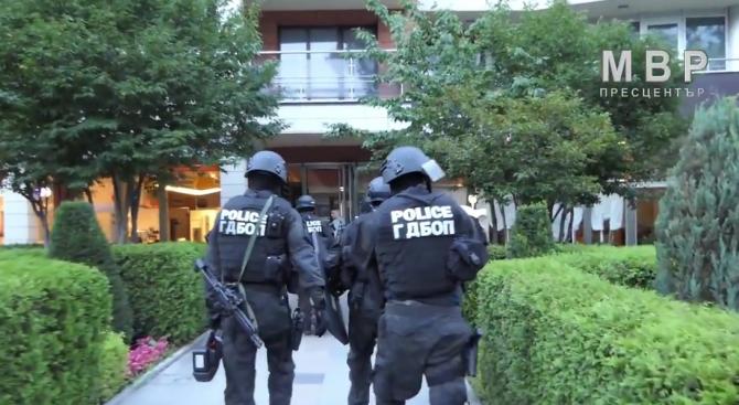 В ГДБОП продължава работата срещу групата за изнудване (видео)