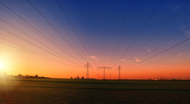 Ще има ли ново шоково поскъпване на парно и ток в навечерието на зимата?