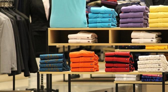 В много фирми и учреждения вратовръзките са задължителни за мъжете,