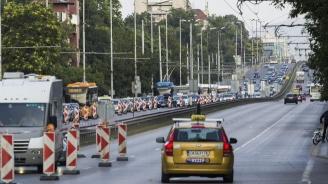 Протест на автобусни шофьори затваря София