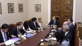 България и Виетнам ще работят за увеличаване на взаимните инвестиции и двустранния обмен в туризма и образованието