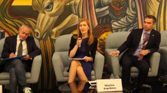 Министър Ангелкова: Китайските туристи ще нарастват с по 5% всяка година до 2023 г.