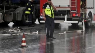 Жестока катастрофа край Мездра: Турски ТИР помете три коли (обновена)