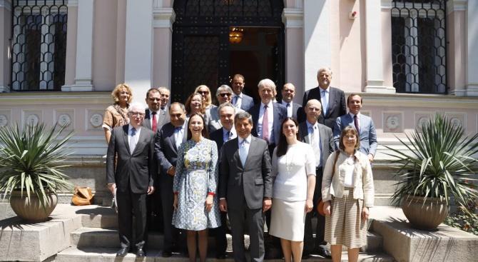 Ева Майдел беше гост на среща на посланиците на страните от ЕС в България (снимки)