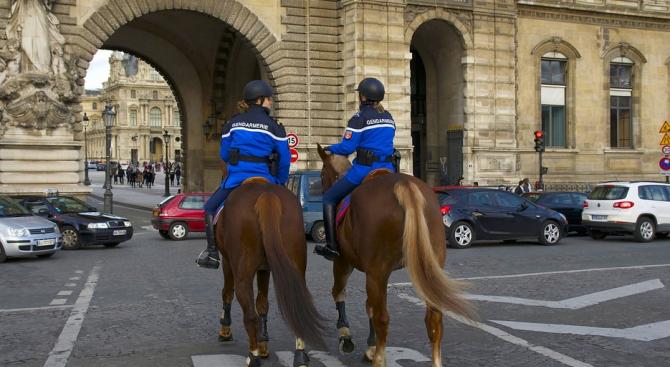 12 000 души ще се грижат за сигурността в Париж и околностите му този уикенд
