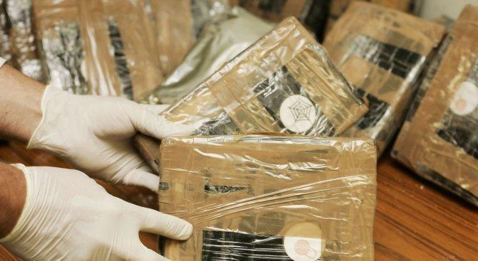 Конфискуваха над 800 кг кокаин в Перу