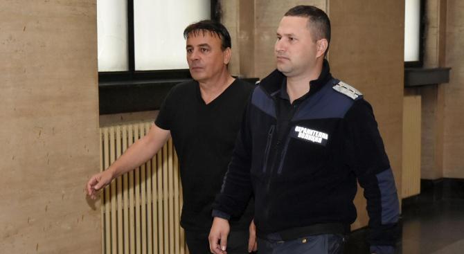 Пуснаха Перуката от ареста (снимки)