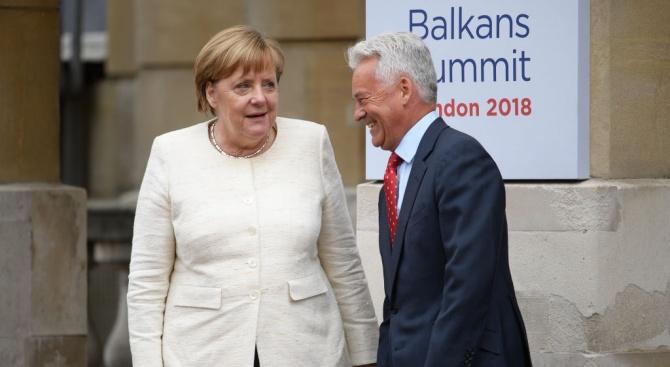Меркел приветства предложенията на Тереза Мей за Брекзит
