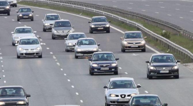 Дезинфекцират се моторните превози средства, влизащи в България през ГКПП