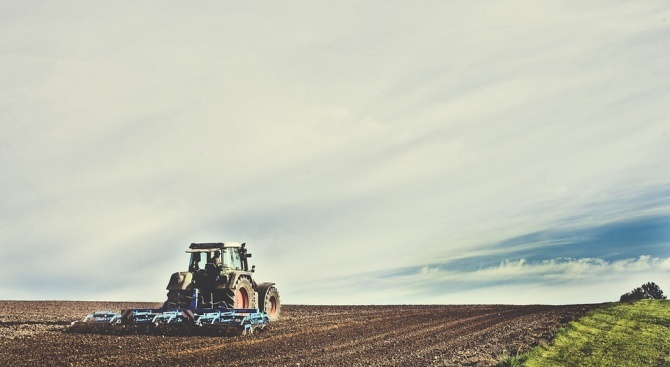 Фермерите ще получат до 84 млн. лв. отстъпка от акциза върху горивата