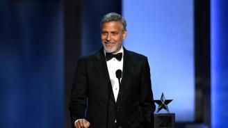 Джордж Клуни е приет в болница след катастрофа с мотор