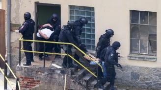 Арестуваха 69 престъпници при зрелищна акция в Сърбия (видео)