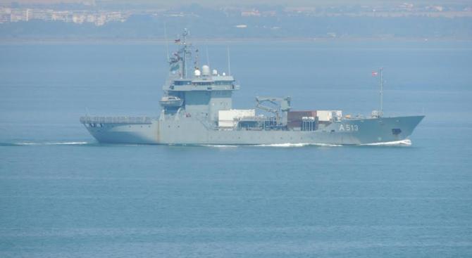 "На националното военноморско учение с международно участие ""Бриз 2018"" днес,"