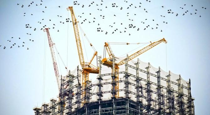 Продукцията в строителния сектор на целия Европейски съюз и в