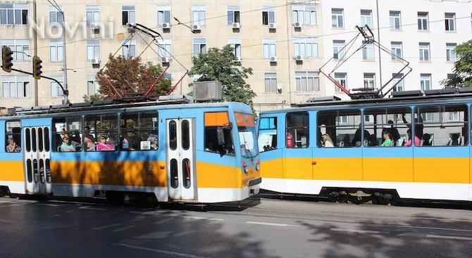 """Движението на трамвайните мотриси 1,6 и 7 по бул. """"Христо"""